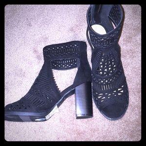 🌵Black Chunky Heels